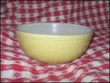 Vintage Large Yellow Pyrex Mixing Bowl