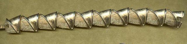 Vintage Trifari Link Bracelet