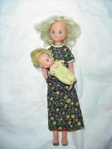 1973 Mattel Sunshine Family Mom & Baby Dolls