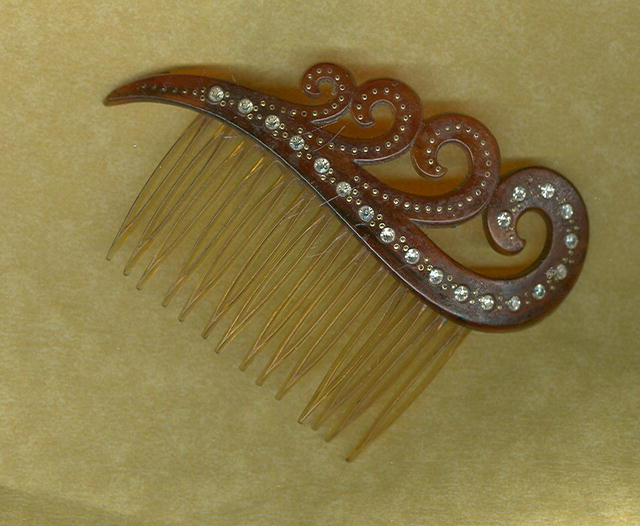 Vintage Faux Tortoiseshell Hair Comb
