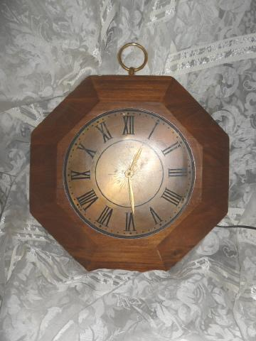 Vintage United Wooden Wall Clock