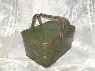 Vintage U.S. Marine Cut Plug Tin Lunch Box