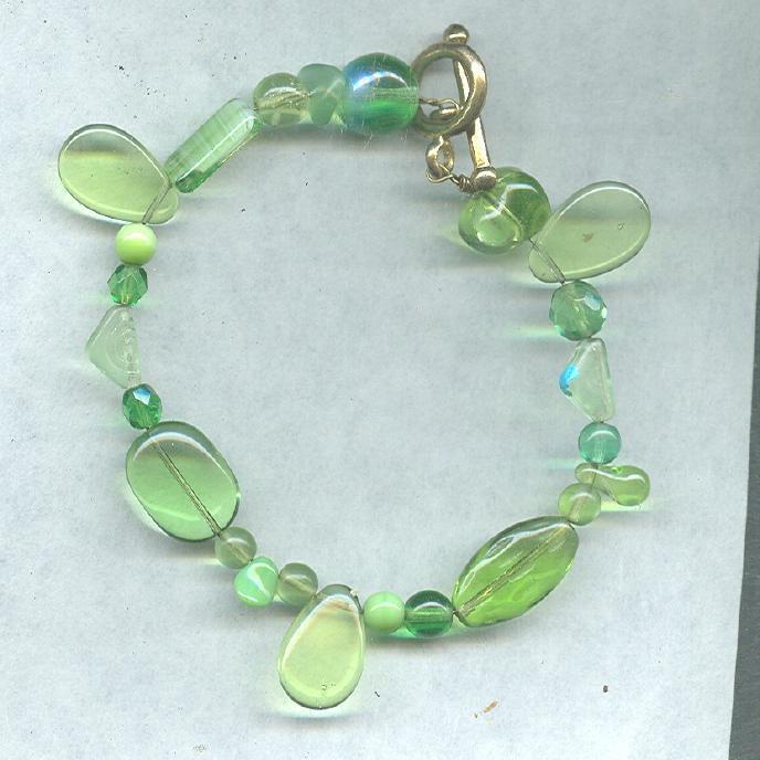 Green Art Glass Bead Bracelet