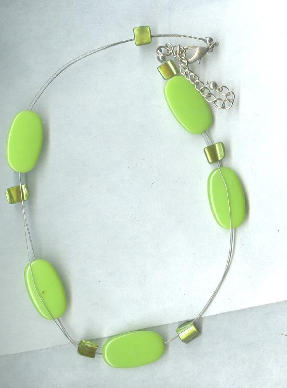 Green Art Glass Bead Necklace
