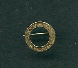 Small Victorian Wreath Pin