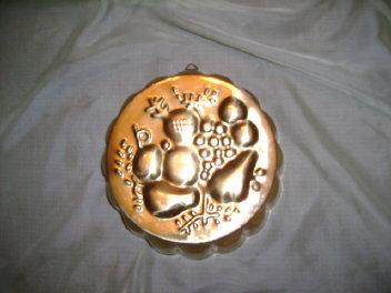 Brass Brass Fruit Mold