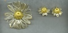 Vintage Handmade Daisy Pin & Earrings Set