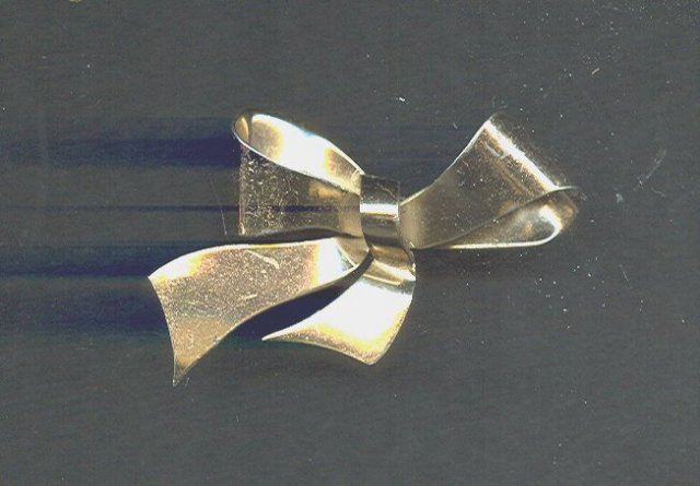 Earky CORO Sterling Silver Vermeil Bow Pin