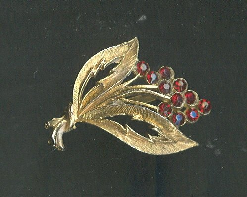 Vintage Stylized Floral Pin