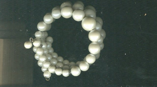 Vintage Triple Strand Pearl Necklace & Bracelet Set
