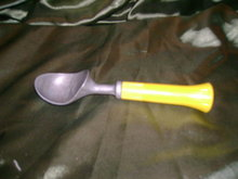Vintage Bonnie Ice Cream Scoop