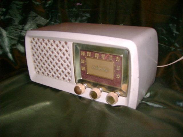 Vintage Sears Silvertone Radio