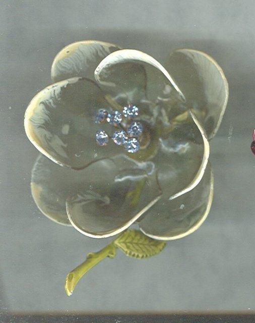 Vintage Celluloid Flower Pin w/Trembler
