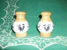 Vintage Ceramic & Wood  Salt & Pepper Shakers (JAPAN)