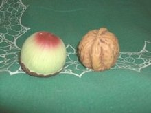Vintage English Walnut & Acorn Salt & Pepper Shakers (JAPAN)