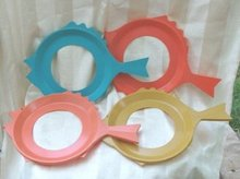 Retro Fish Plastic Plate Mate Holders  (4 Pc Set)