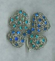 Vintage  Stylized 4 Leaf Clover Pin