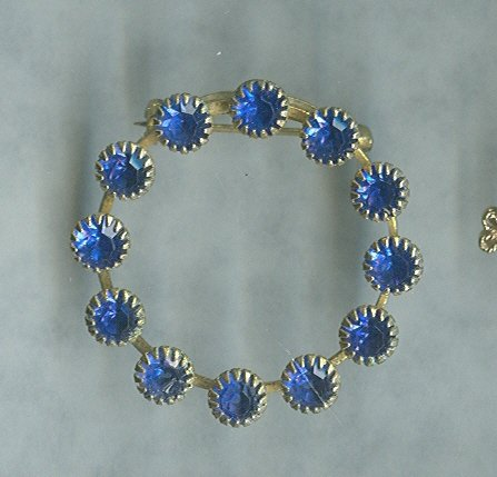 Vintage Blue Wreath Pin
