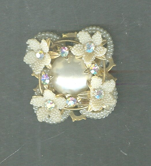Vintage Miriam Haskell Style Pin