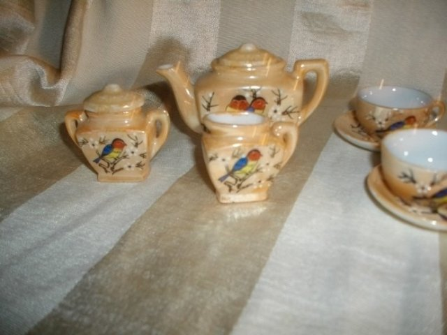 Vintage Children's Size Peach Luster Teapot Set   ** LOOK**  9 Piece Set