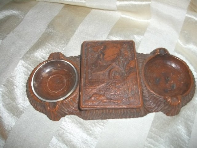 Vintage Faux Wood Scenery Cigarette Holder w/2 Ashtray