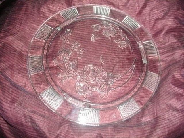 Vintage Federal Glass Sharon Cake Plate
