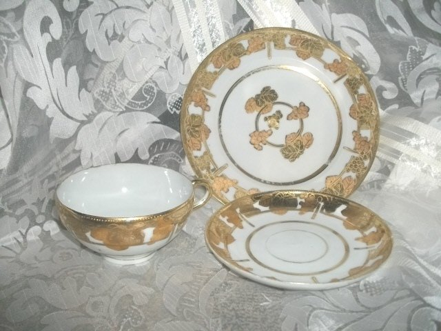 Vintage 3 Piece Hand Painted Teacup Set