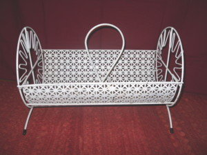 Vintage Round Metal Lattice Basket  **UNUSUAL**