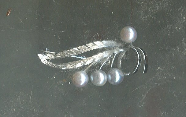 Vintage Sterling Silver & Gray Baroque Pearl Pin