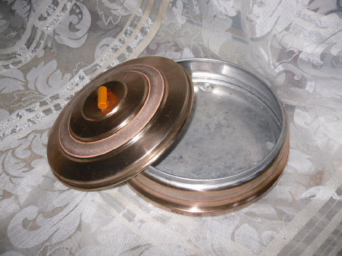 Vintage Metal Powder Dish w/Bakelite Handle