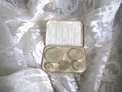 Vintage 1920's Metal Coin Purse w/3 Compacts