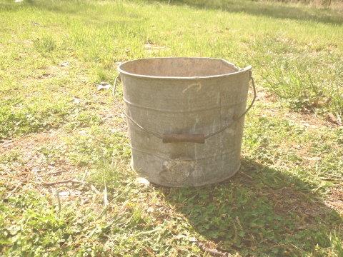 Vintage Large Metal Bucket w/wooden handle