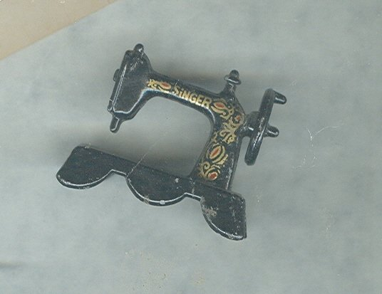 Vintage Singer Sewing Machine Miniature