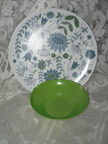 RETRO 1970's Melamine Dinner Plates & Bowls **Set of 4**