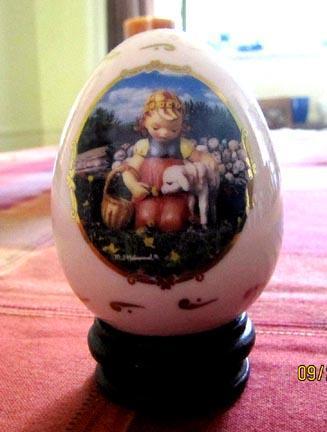 Porcelain Egg M. J. Hummel - Favorite Pet