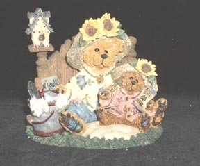 Sunny and Sally Berriweather . . . Plant with Hope Boyds Bears