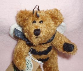 Boyds Bears Bud Buzzby