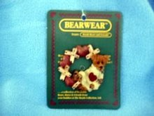Boyds Bears Bearwear Pin - Wilson . . . Hugs & Kisses Wreath