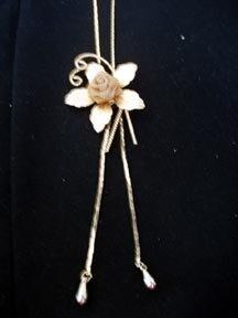 Necklace Gold Mesh Rose Slider