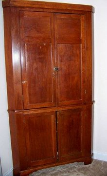 Carolina Corner Cabinet