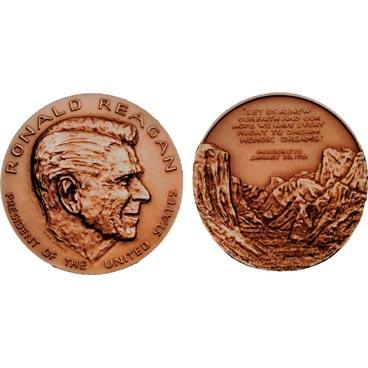 Ronald Reagan Bronze Medal & Velvet Case
