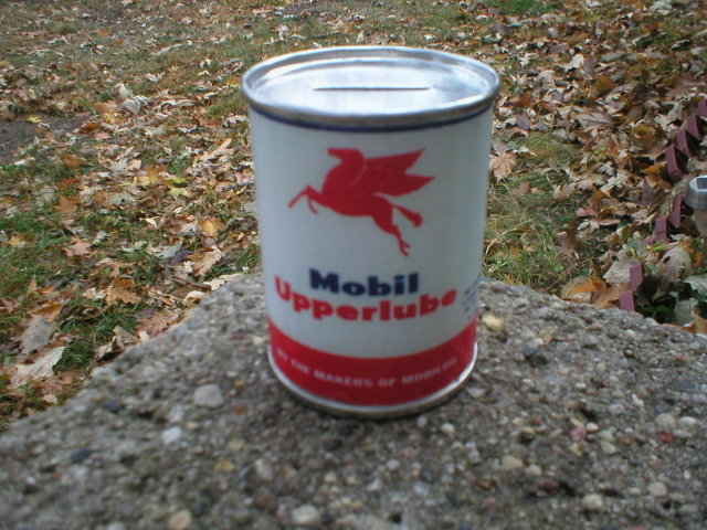NEW MOBIL UPPERLUBE OIL CAN BANK