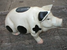 BIG HEAVY CAST IRON SITTING PIG COLLECTIBLE PIGS