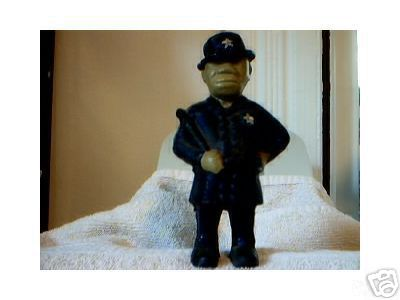 CAST IRON POLICEMAN