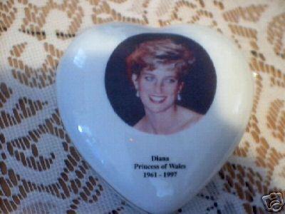 PRINCESS DIANA HEART BOX