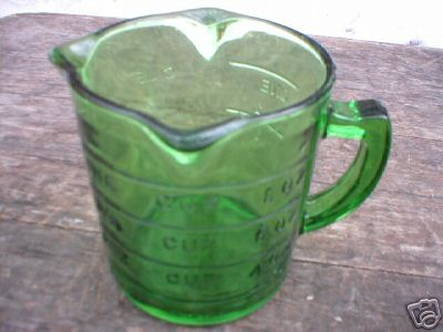 GREEN DEPRESSION STYLE GLASS MEASURING CUP 3 SPROUTS
