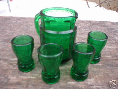 GREEN MINIATURE WATER SET GLASS COLLECTIBLE NR
