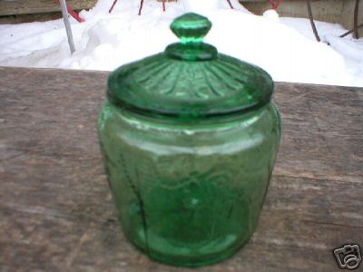 GREEN MINIATURE JAR w/LID GLASS COLLECTIBLE