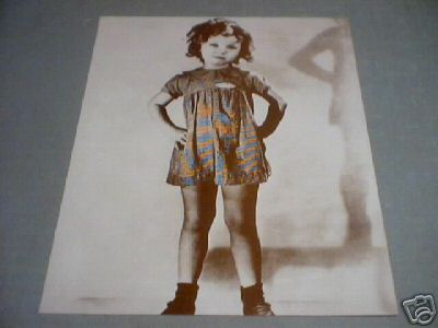 SHIRLEY TEMPLE - HANDS ON HIPS PRINT