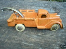 CAST IRON TOY WRECKER